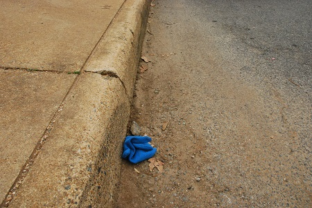 Ground with blue glove_533.jpg