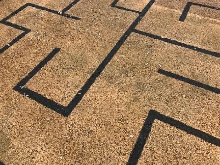 Ground with pebbly maze_0194