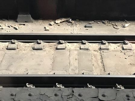 ground-with-dusty-tracks_0410.jpg